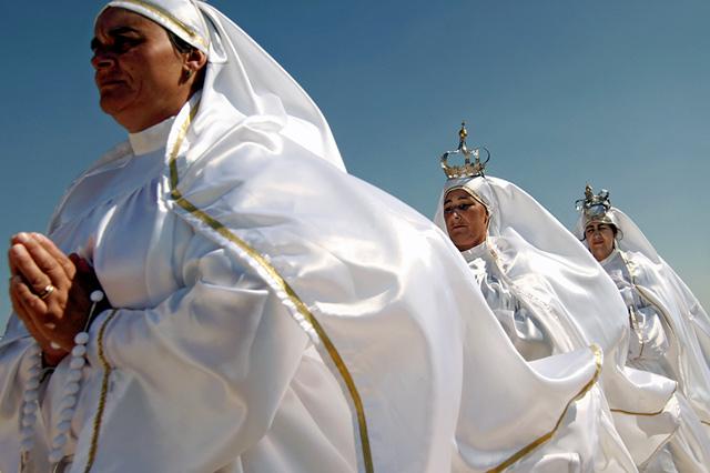 The pilgrimage at the traditional festival in São Bartolomeu do Mar.