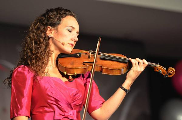 Acclaimed violinist Jenny Oaks Baker performs in Harrisburg, Pa., on April 20, 2012. (Image by Matt Baker)